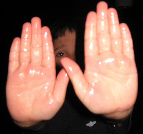 What Violinists Can Do about Sweaty Hands