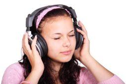 Listening in Violin Practice